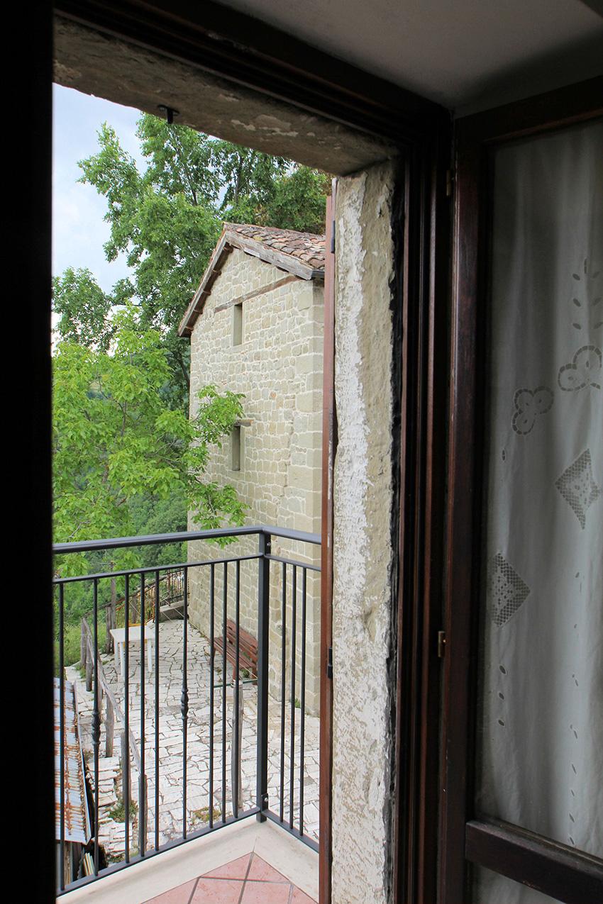 balcone-bnb-meschia-roccafluvione